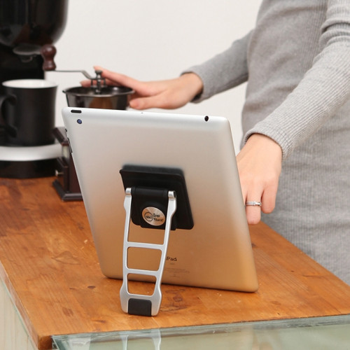 Lynktec 360 Grip Stand on a Table